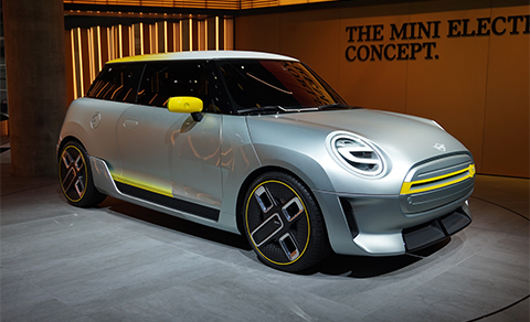 The Mini Electric Concept is painted silver, with accents in Striking Yellow.